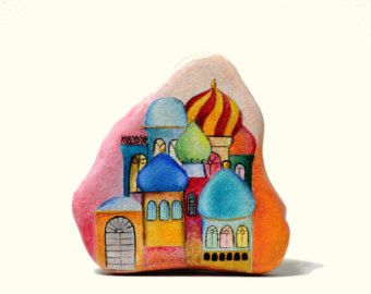 Painted stone sasso dipinto a mano. Children at by OceanomareArt