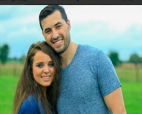Jinger Duggar Engaged: Is Jeremy Vuolo Using Her For Fame? - http://www.morningledger.com/jinger-duggar-engaged-is-jeremy-vuolo-using-her-for-fame/1387448/