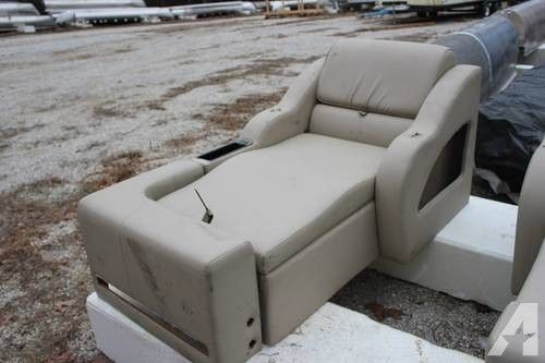USED PONTOON BOAT FURNITURE