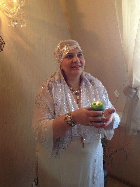 Здравствуйте! Меня зовут Надежда Ивановна. В моем роду все женщины, всю жизнь отдавали на помощь людям, дар свой получила с самого рождения!