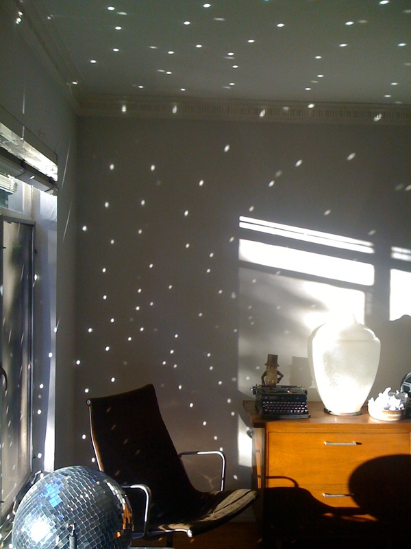 Love the light pattern on the walls in the kid's room! #lampsplus  #mystyle