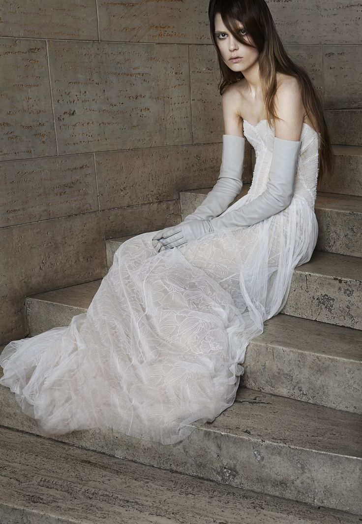 38 best Vera Wang images on Pinterest   Wedding frocks, Brides and ...