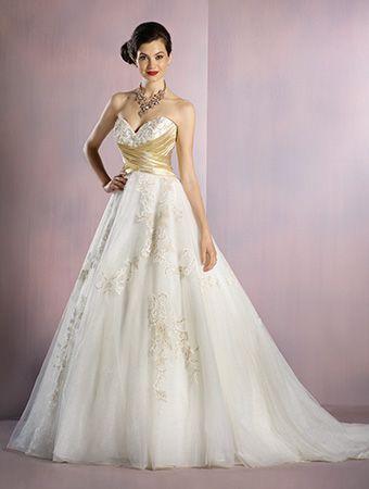 Alfred Angelo Snow White Style 256 Ball Gown Wedding Dress With Cummerbund Waistline And Lace