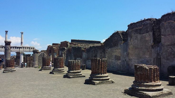 Walk the interesting ruins of Pompeii, city that got burried AD 79 by the volcano Vesuvius