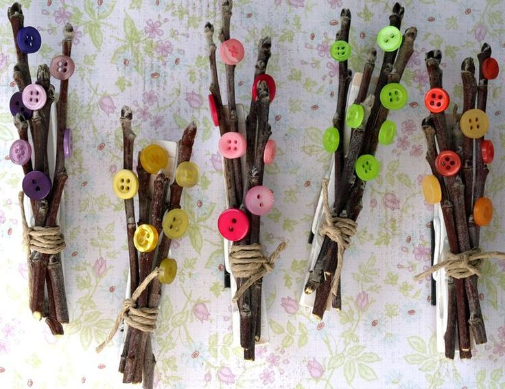 spring craft project - bitty branches and blossoms clothes pin magnets