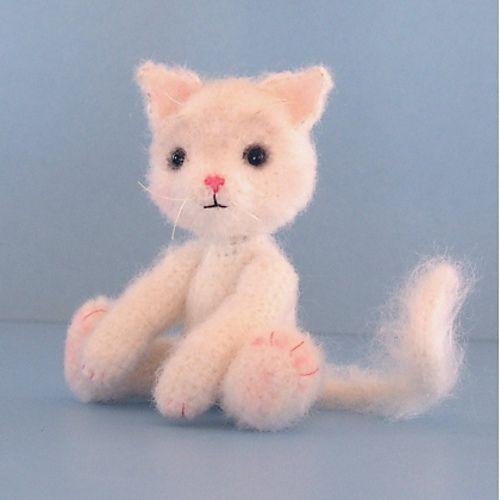 FREE Amigurumi Cat Crochet Pattern and Tutorial by Sue Pendleton