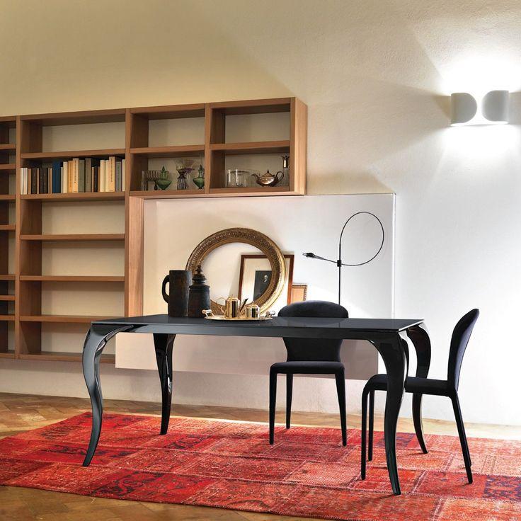 Chi dice che dobbiamo per forza scegliere tra classico o moderno? James è un tavolo che unisce entrambe gli stili. #DesignTables