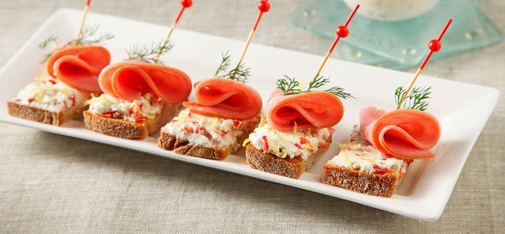Συνταγές για μικρά και για.....μεγάλα παιδιά: Εύκολα καναπεδάκια για πάρτυ- μπουφέ ή μπυρίτσα!
