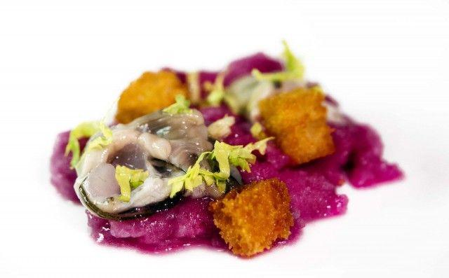 Condividi Twitta Pin E-mail Ostriche in una ricetta per quando viene voglia di agrodolce, mare, colori nel piatto e tonificanti frescure. Da preparare quando ...