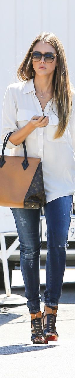 Jayeon Kim's pick:white shirts and jeans with Louis Vuitton bags 2013