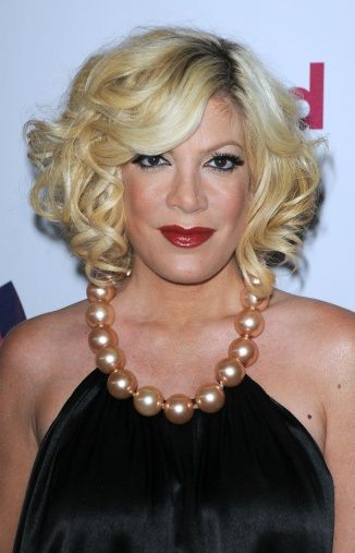 Tori Spelling Blonde Hair Color