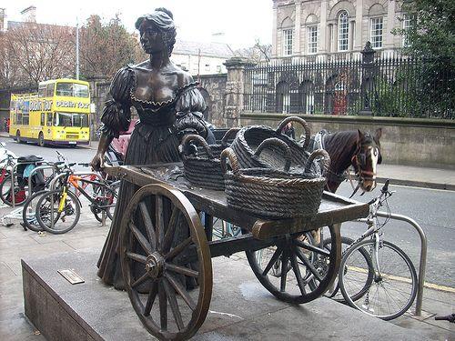 Molly Malone, ubicada en el centro de Grafton Street, Irlanda