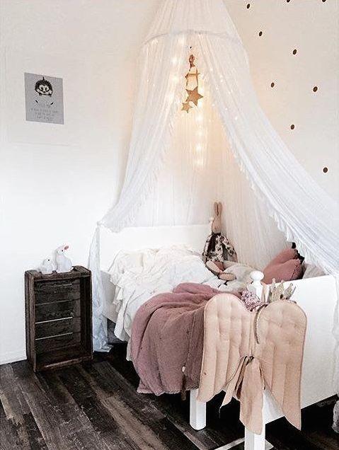 Bett von Ikea mit Himmel ♡