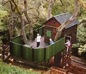 17 meilleures images propos de maisons dans les arbres sur pinterest arbres maison dans les. Black Bedroom Furniture Sets. Home Design Ideas