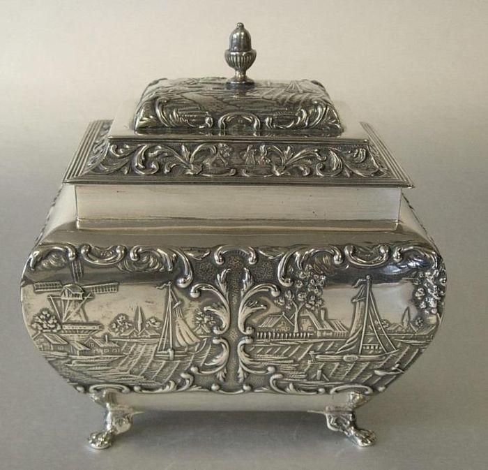 Online veilinghuis Catawiki: Zilveren theebus, Hooijkaas, Schoonhoven, 1906-1924