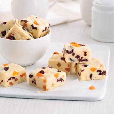 Fudge au chocolat blanc, canneberges et abricots - Desserts - Recettes 5-15 - Recettes express 5/15 - Pratico Pratique