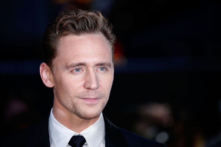 """Twitter does not agree that Tom Hiddleston is """"too smug"""" to play Bond"""