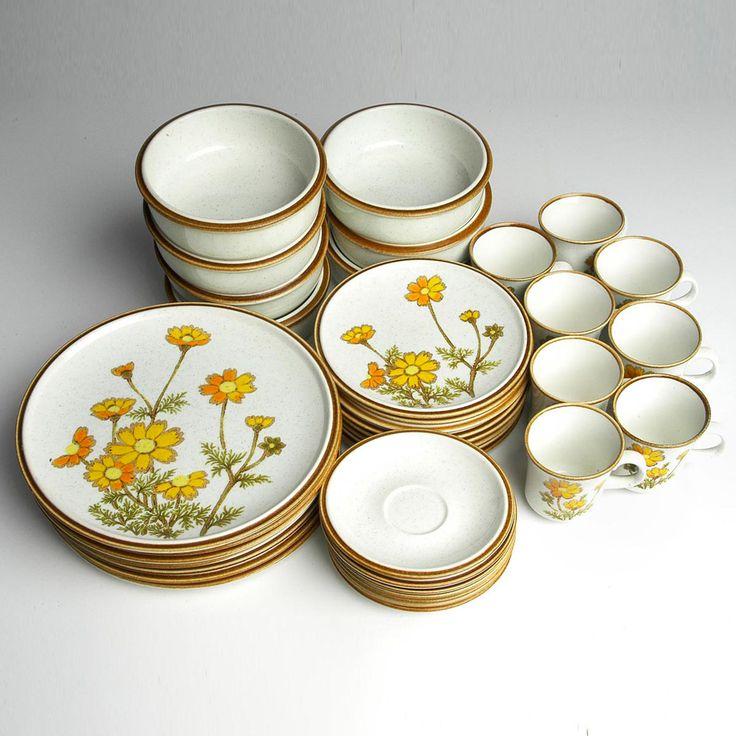'70s Mikasa Dinnerware Service. Yellow daisies OMG!!!!!! I have these C: