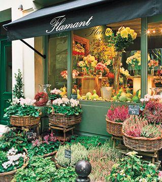 .: Stores Front, Essential Shops, Floral Shops, Flower Shops Paris, Shops Ideas, Favorite Stores, Flowershop, Design Stores, Florists Shops Front