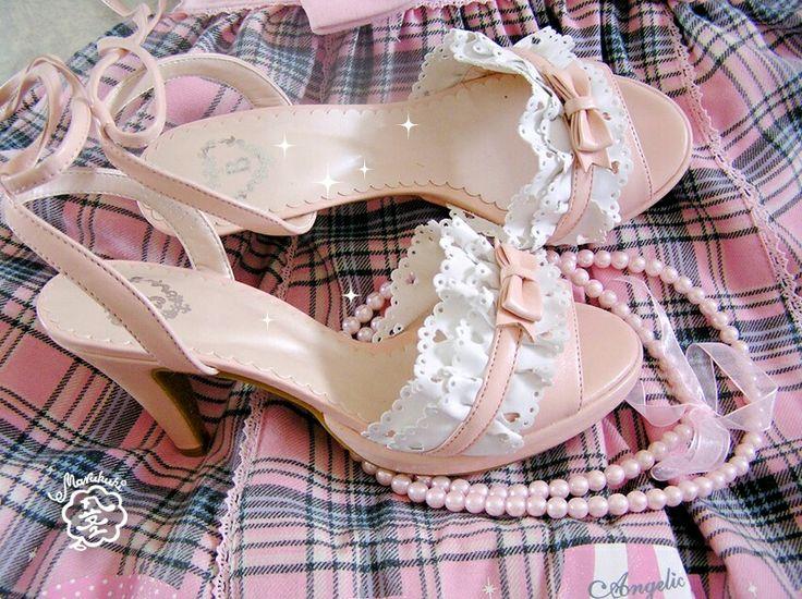 Baby's heels... #lolita #egl #eglcommunity #ロリィタ #eglfinland #angelicpretty #btssb #babythestarsshinebright #heels #shoes #lace #fashion #pinkshoes #pearls #girly #chic