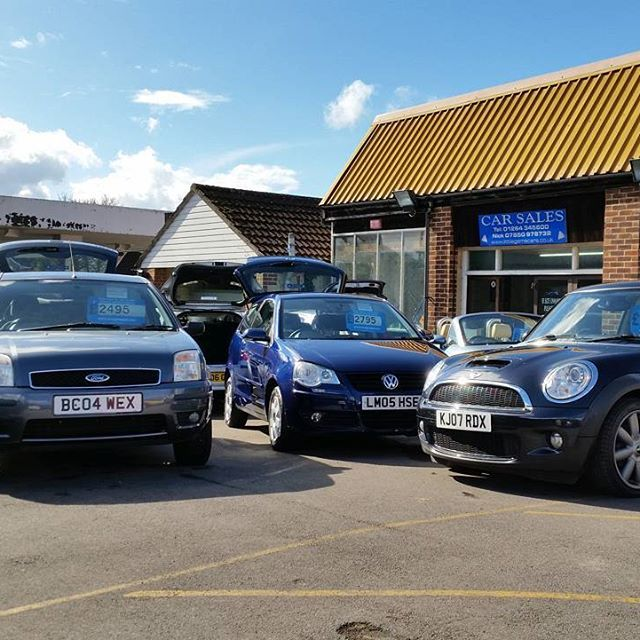 Little Gems forecourt on a sunny day