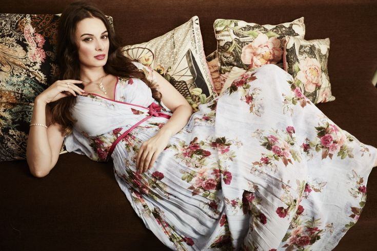 While actress and fashion philanthropist Evelyn Sharma has been busy shooting for her upcoming Imtiaz Ali film starring Shah Rukh Khan and Anushka Sharma, she has been facing a strange kind of prob…
