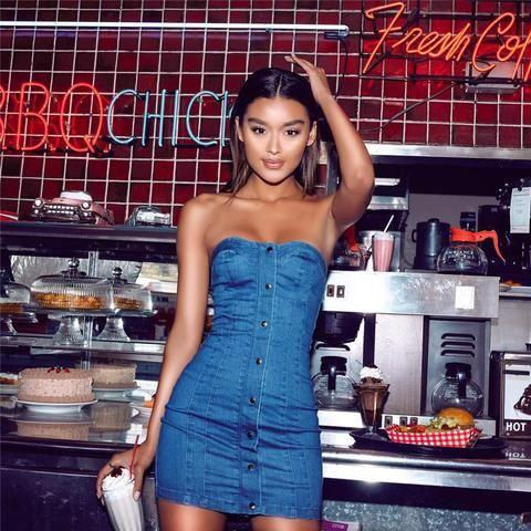 Strapless Denim Bodycon Dress #urbanstreetzone #urbanstreetwear #urbanclothes #ootd #outfit #outfitoftheday #outfitinspiration #brand #boutique #outfitgrid #streetbeast #minimalism #streetfashion #highsnobiety #contemporary #dtla #gq #yeezy #losangeles #style #simplefits #pinfashion #pinterestfashion #denimdress #bodycon #ladies