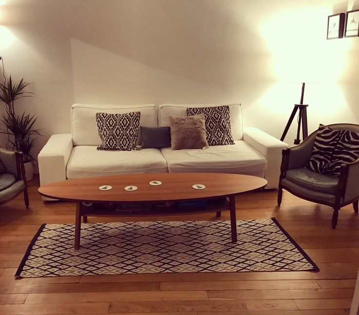 salon cocooning un sofa ikea table ikea coussins hm home