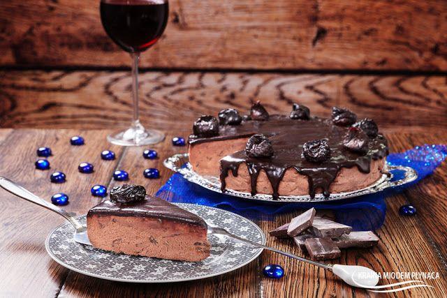 Sernik czekoladowy z 'pijaną śliwką'
