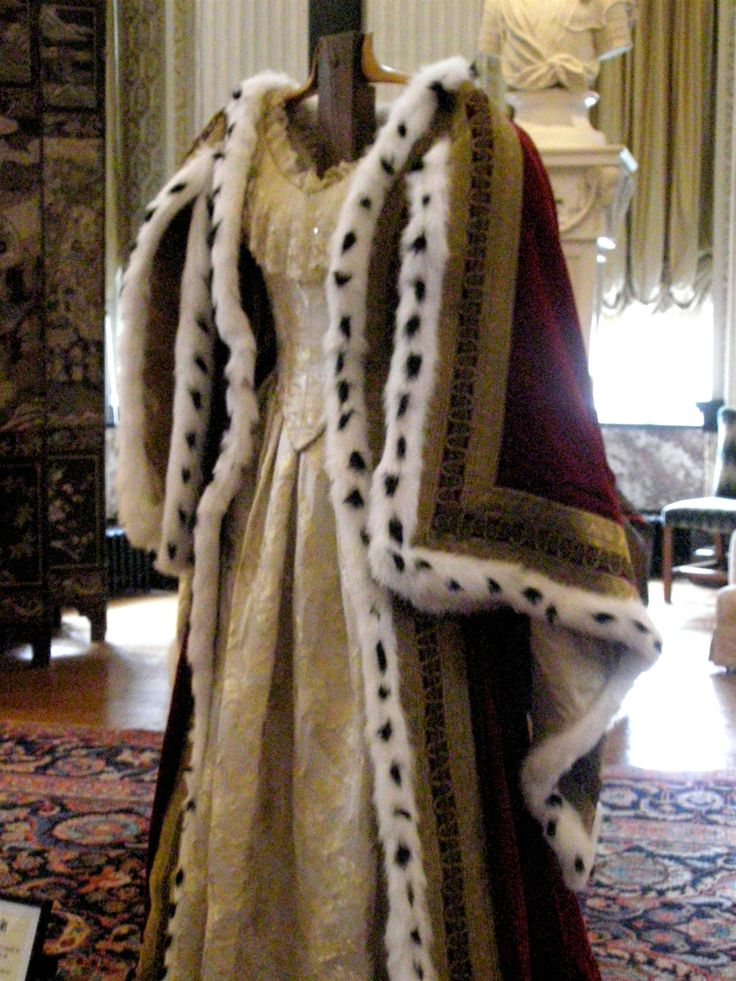 Queen Victoria's coronation robes