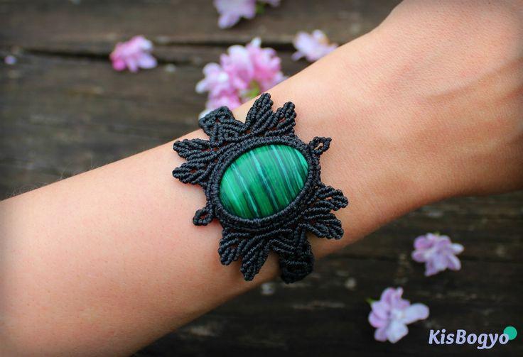 Black macrame bracelet with malachite stone