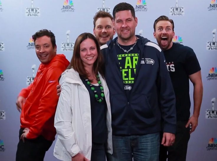 Chris Evans, Chris Pratt and Jimmy Fallon Photobomb Unsuspecting Football Fans—Watch Now!  Chris Pratt, Jimmy Fallon, Chris Evans, Tonight Show, Photobomb