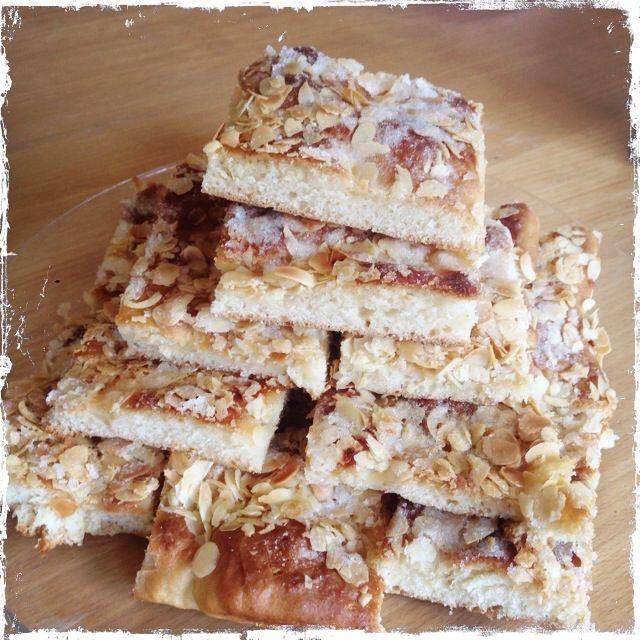 """Für alle Fans von """"Bibi und Tina"""" hier das Rezept vom selbstgebackenen Butterkuchen von Frau Martin."""