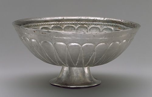 Stem cup, 6th–8th century Central Asia, possibly Sogdian Silver; H. 2 3/4 in. (7 cm) Friends of Asian Art, Purchase, and Mr. and Mrs. Douglas Dillon Gift, 1998 (1998.223)