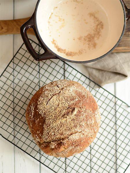 chleb pszenny na ciemnym piwie - z garnka