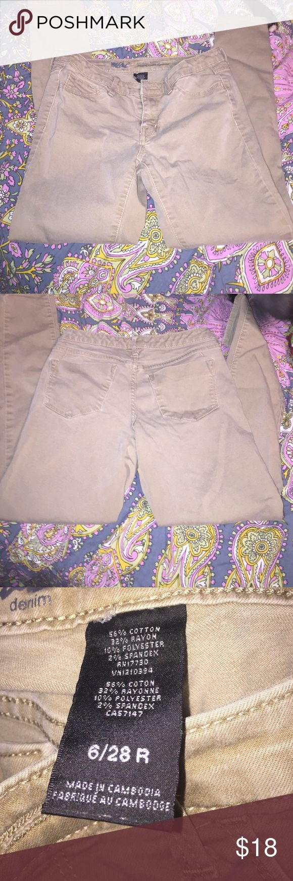 khakis skinny jeans they are a little darker in person than on the pic but perfect condition no problems they are 6/28 R they do stretch so they're not skin tight Pants Skinny