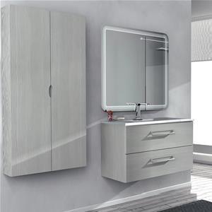 Oltre 25 fantastiche idee su bagni grigio chiaro su pinterest piccoli bagni grigi e pavimenti - Bagno grigio chiaro ...