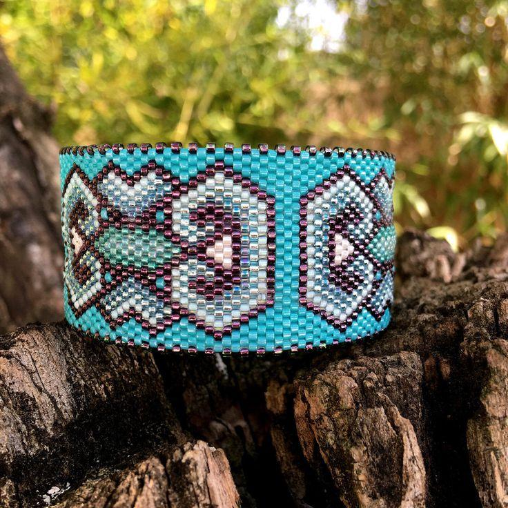 Le chouchou de ma boutique https://www.etsy.com/fr/listing/517536419/bracelet-anneau-a-motifs-tags-bleu-et