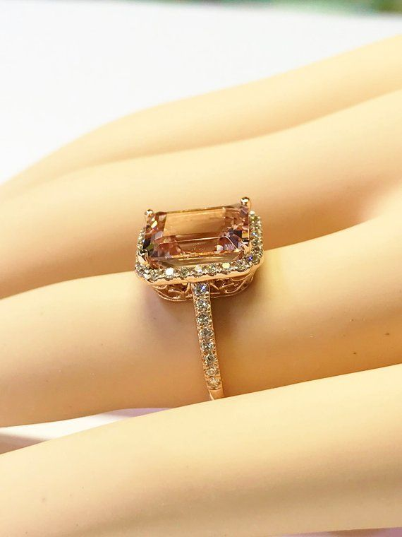 400 Ct 11 Mm X 9 Mm Emeraude Morganite Gemme Halo Bague Etsy Cool Wedding Rings Designer Engagement Rings Wedding Ring Designs