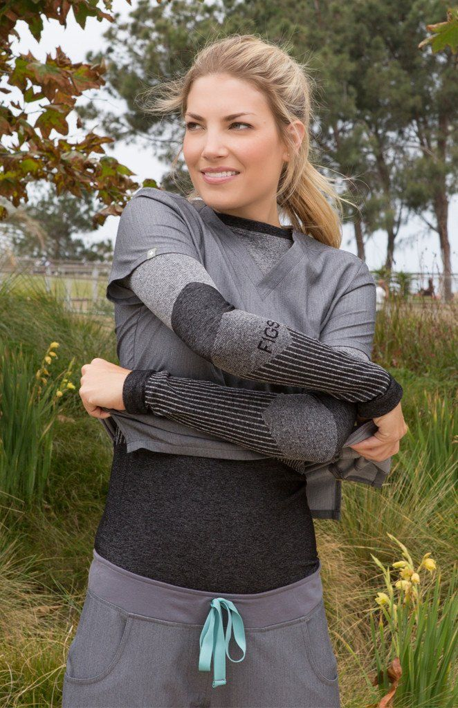 Seamlessly transition from cold hospitals to coffee runs with our warm longsleeve underscrub. With four-way stretch, this breathable base layer keeps you warm .