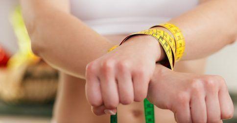 Διατροφικές διαταραχές: Τα συμπτώματα που φαίνονται στα δόντια: http://biologikaorganikaproionta.com/health/248124/