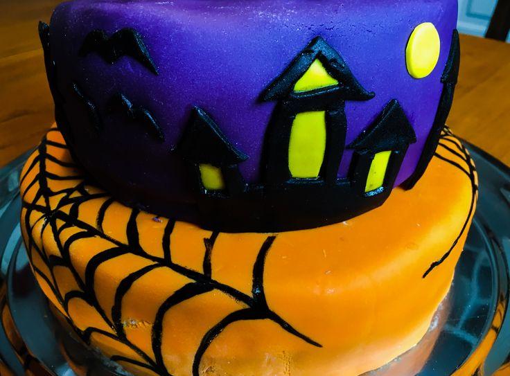 Marsa's Halloween cake (detail)
