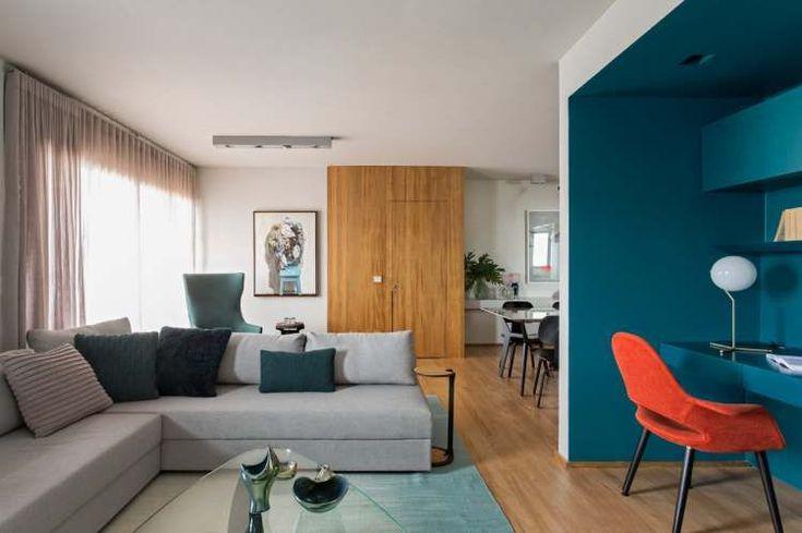 Современная квартира с концепцией, построенной вокруг цветов океана: голубого, зеленого и преобладающего глубокого синего расположилась в Сан-Паулу, Бразилия и была спроектирована Diego Revollo