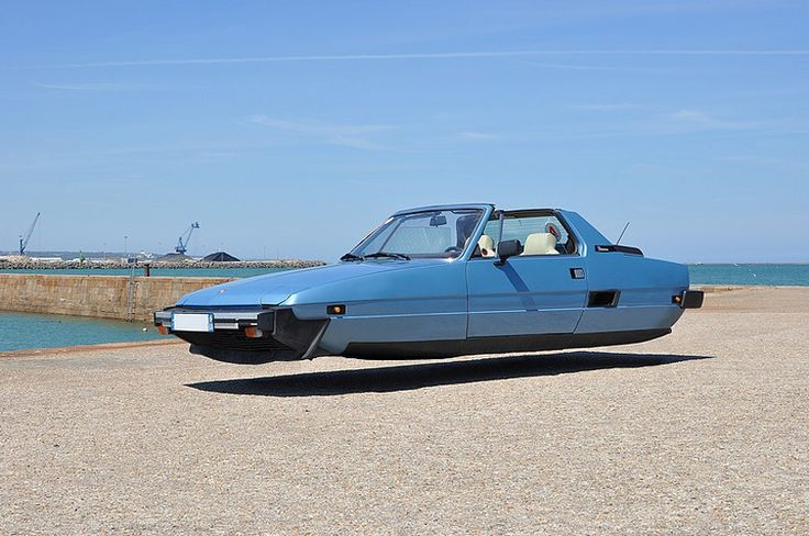 Click to enlarge image sylvain-viau-flying-cars-designboom-10.jpg