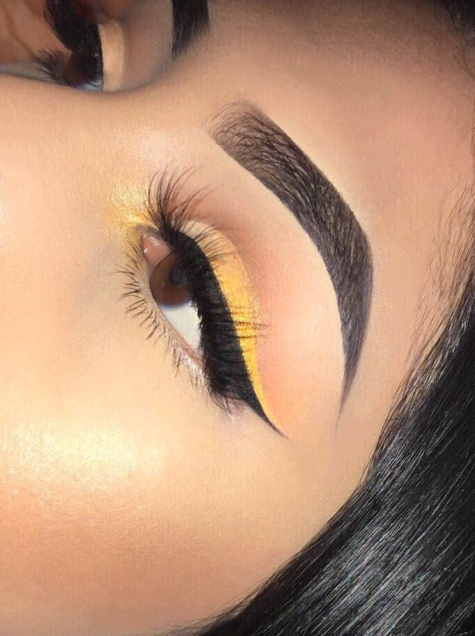 Juvias place Anastasia Beverly Hills highlight yellow eye sunset ombré eyeliner Nubian 2