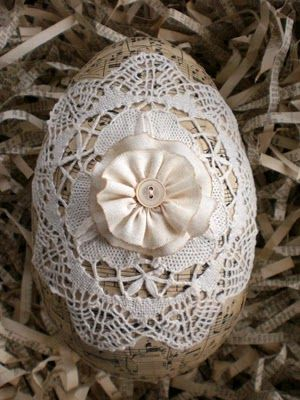 Lace covered egg with flower, from Vintage With Laces blog.: Holiday, Ideas, Easter Decoration, Lace Egg, Easter Eggs, Happy Easter, Spring