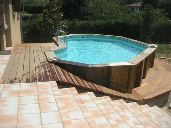 Les 25 meilleures id es de la cat gorie jacuzzi gonflable for Piscine semi enterree 10m2