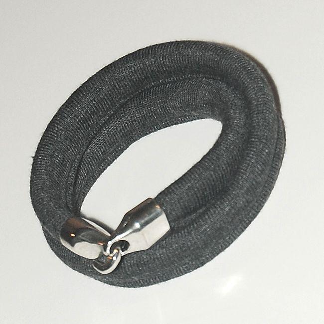 Double cotton bracelet with a hook