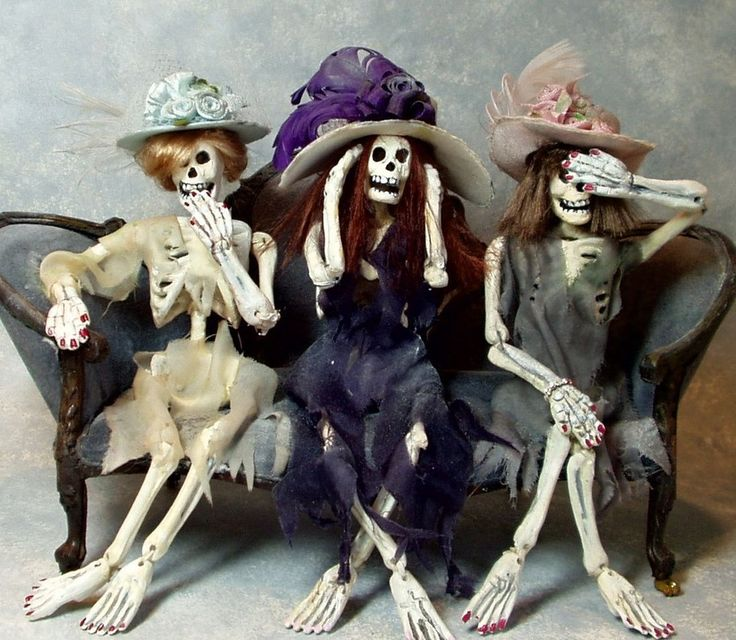 Unusual Items to Haunt your Doll House