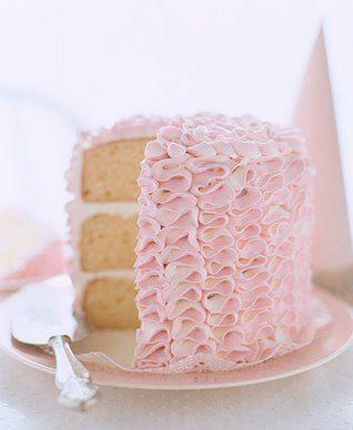 bron: Martha Stewart ~ roze toren ruche taart met recept